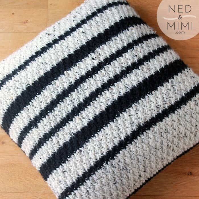 crochet throw pillow black and white