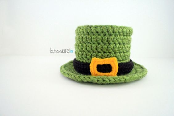 BHooked Crochet lucky top hat