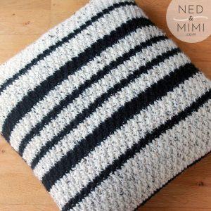 crochet throw pillow black and white