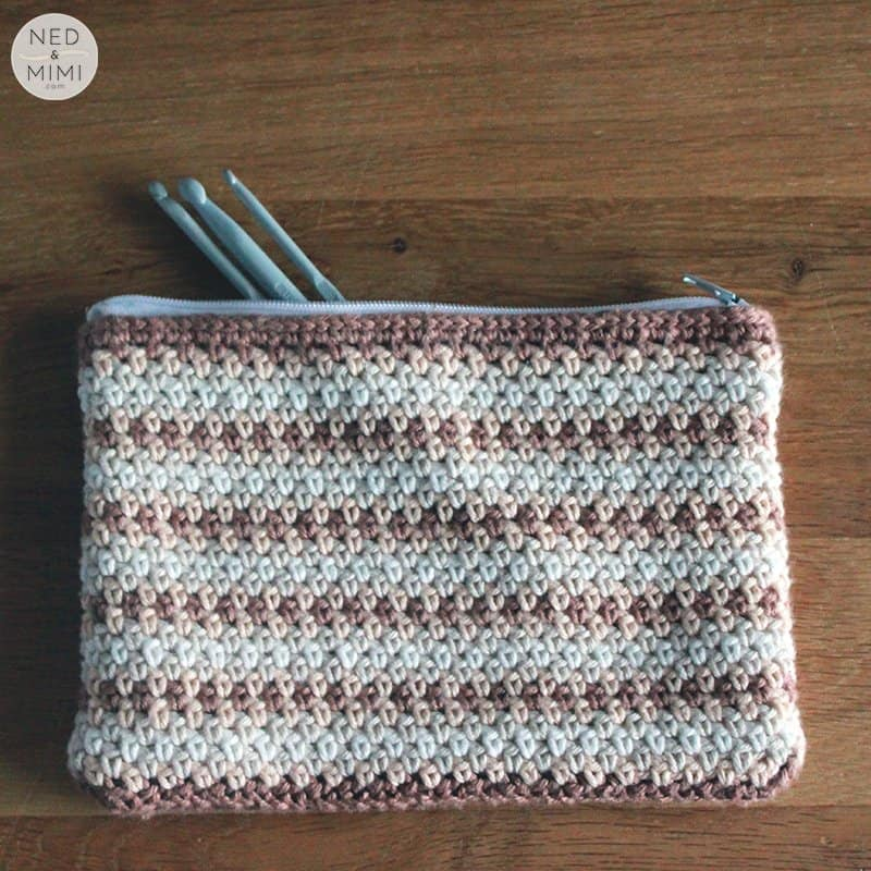crochet zipper pouch with hooks