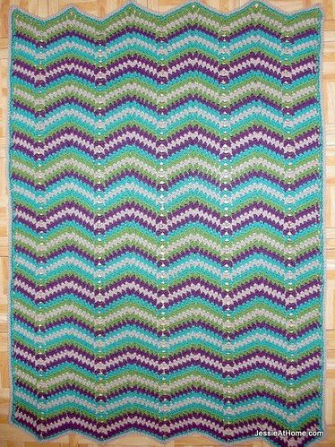 Faded Ripple Blanket by Jessie @ Jessie at Home