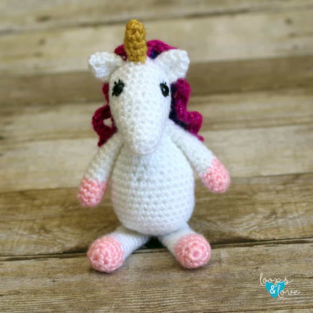 Mini Unicorn Amigurumi by Loops & Love Crochet