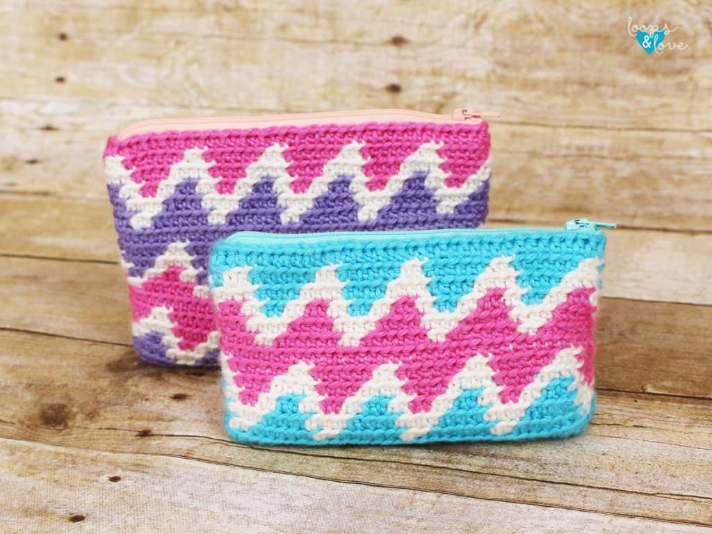 Zig Zag Zipper Bag by Loops 'n' Love Crochet