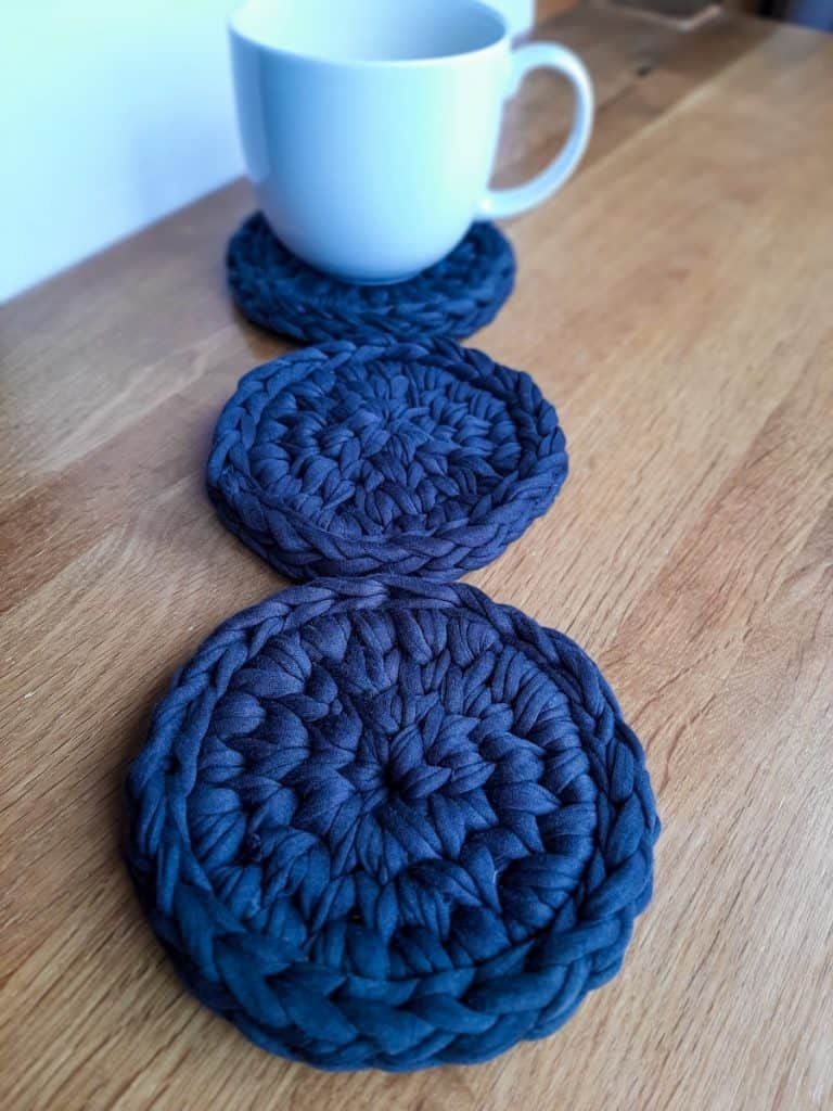 Crochet coasters (dark grey)