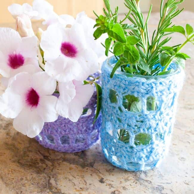 Crochet Mason Jar Covers by Crafting Each Day