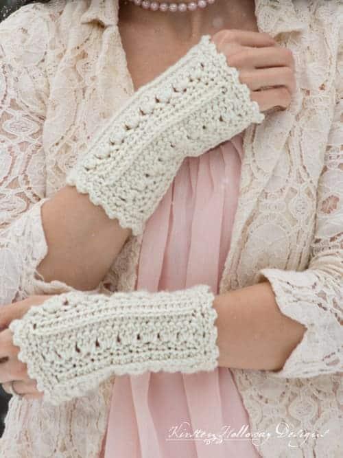 Primrose and Proper Fingerless Gloves by Kirsten @ Kirsten Holloway Designs